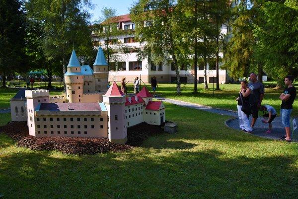 Miniatúra Bojnického zámku je najúspešnejší model V MiniSLovensku.