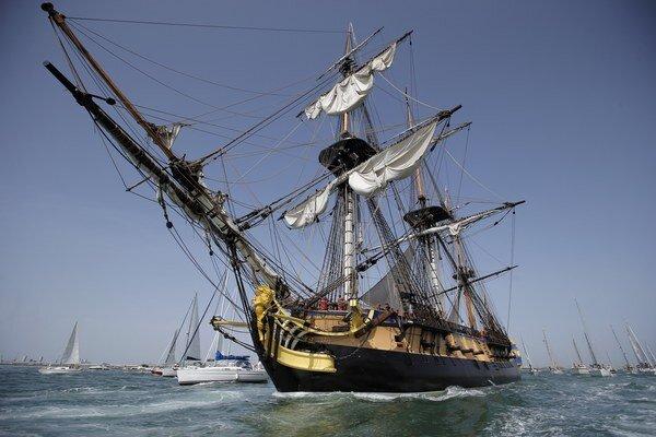 Cieľom plavby 65-metrov dlhého plavidla je rekonštrukcia cesty pôvodnej lode cez Atlantický oceán.