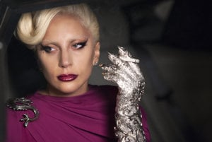 Lady Gaga si ako upírska kráľovná bola stredobodom seriálu American Horror Story.