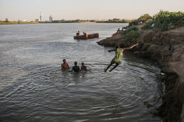 Obete vo veku 11-14 rokov boli na pikniku pri rieke v meste Bugallon v provincii Pangasinan.