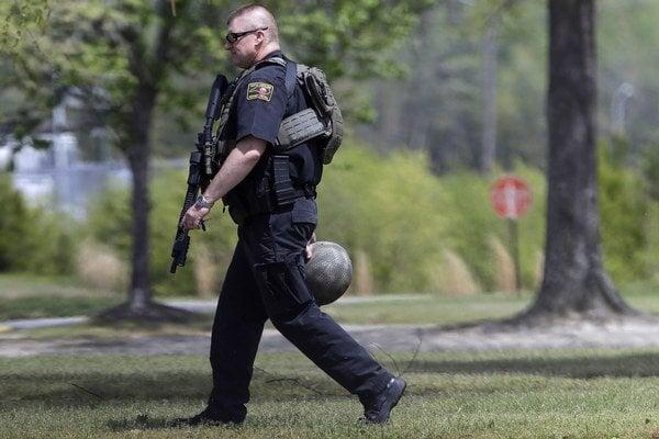 Objekt Wayne Community College po krvavej streľbe uzavreli policajti.