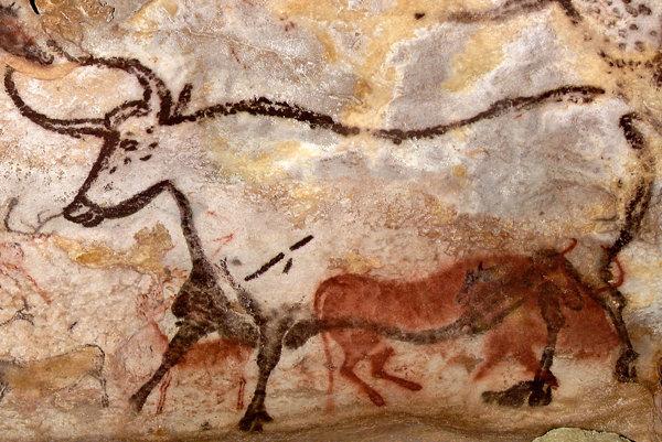 Jedna z prvých nástenných malieb je v jaskyni Lascaux.