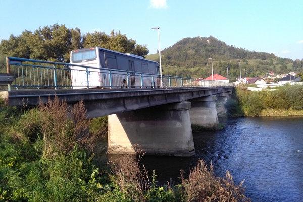 Most ponad Oravu v Nižnej.