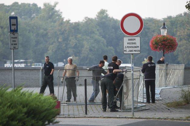 Polícia uzatvára nábrežie Dunaja v Bratislave.
