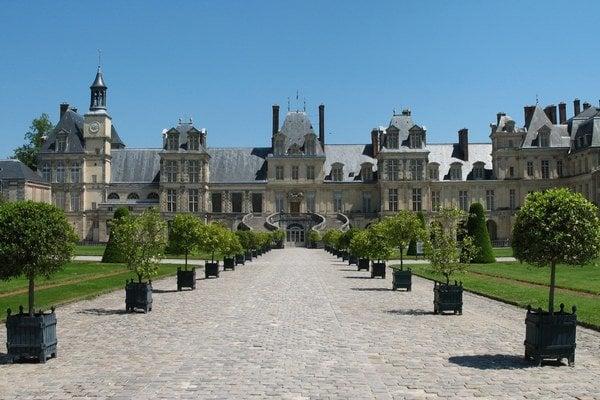 Francúzsky zámok Fontainebleau.