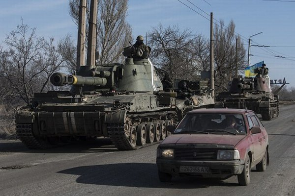 Ukrajinské tanky pri Artemivsku.