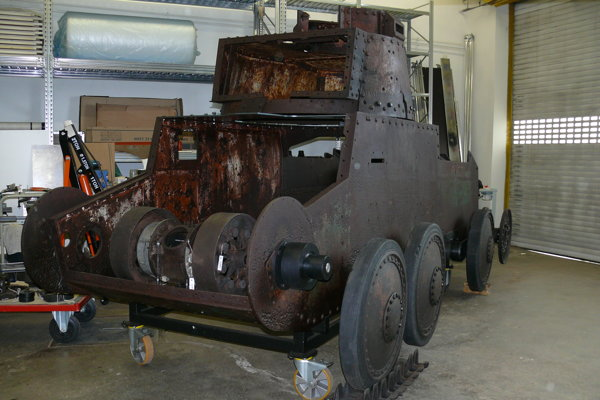Torzo starého tanku.
