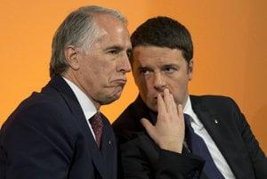 Kandidatúru Ríma okrem Giovanniho Malaga (vľavo) podporuje aj samotný premiér Matteo Renzi.