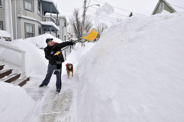 V Bostone za tri dni napadlo ďalších 60 centimetrov snehu.