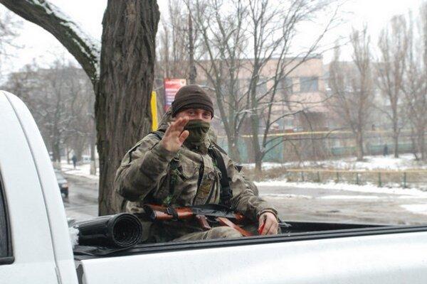 Dobrovoľník Oleg verí, že sa im podarí ubrániť Mariupoľ.