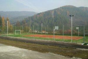 Nové ihrisko je pri Základnej škole vo Valaskej Belej.