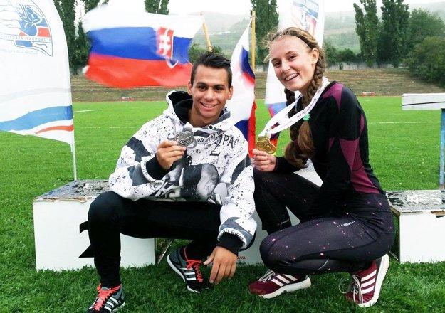 Úsmevy na víkendovom šampionáte starších žiakov - Daniel Kováč získal striebro, Dominika Hubková (pochádza z Partizánskeho) zlato.
