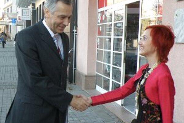 Ministra Jána Figeľa privítala v Prievidzi primátorka Katarína Macháčková.