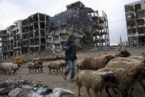 Zničené domy v pásme Gazy.