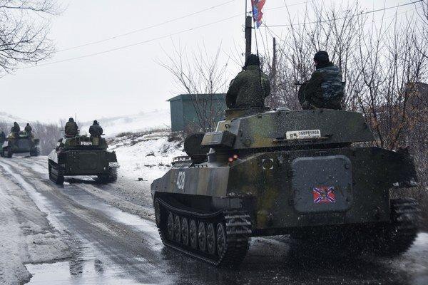 Aliancia zaregistrovala zvýšený počet ruských tankov na Ukrajine.