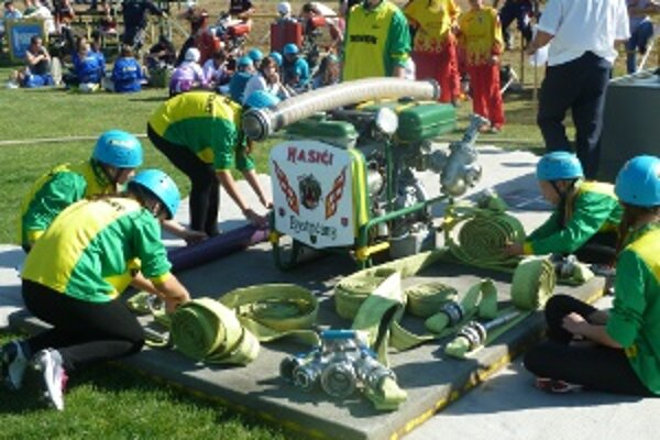 Mladí hasiči súťažili v trojici disciplín.