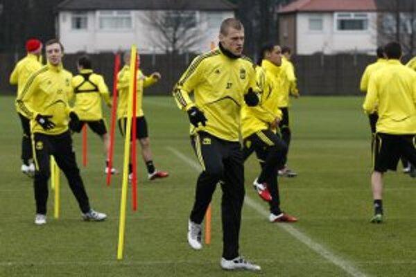 Škrtel je hráčom FC Liverpool od januára 2008, predtým si urobil dobré meno v Zenite Petrohrad. V stovke zápasov Premier League strelil štyri góly, posledný 27. augusta tohto roka do siete Boltonu Wanderers.