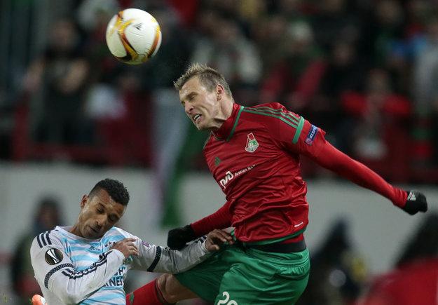 Pred odchodom do Turecka si Ján Ďurica (vpravo) obliekal dres Lokomotivu Moskva.