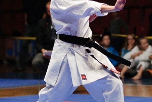 Pretekári Karate klubu Prievidza FKŠ vo veľkom zbierali medaily.