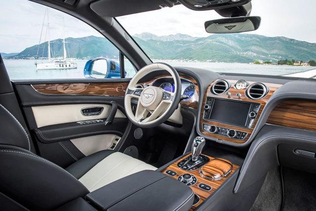 Interiér Bentley Bentyaga ponúka veľkú dávku luxusu.