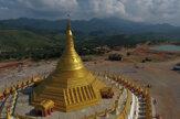 Brzdy nevydržali, išli sme tridsiatkou. Ako vyzerajú hory v Mjanmarsku