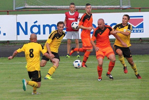 Martin Habiňák (celkom vpravo) dal už svoj štvrtý gól v sezóne.