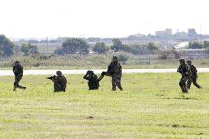 Jednotky NATO cvičia v rámci Trident Juncture základni Trapani na Sicílii.