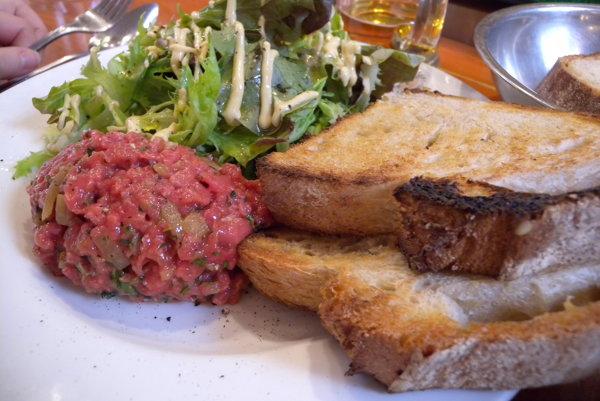 Tatársky biftek.