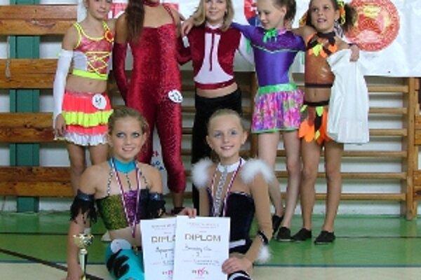 Dievčatá z ŠK Fitness Free Prievidza sa v konkurencii 80 detí nestratili.
