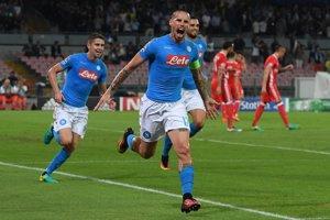 Marek Hamšík potvrdil svoju dôležitosť, v zápase medzi Neapolom a Benficou otvoril skóre stretnutia.