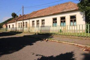 Budova starej školy bude v obci čoskoro minulosťou.