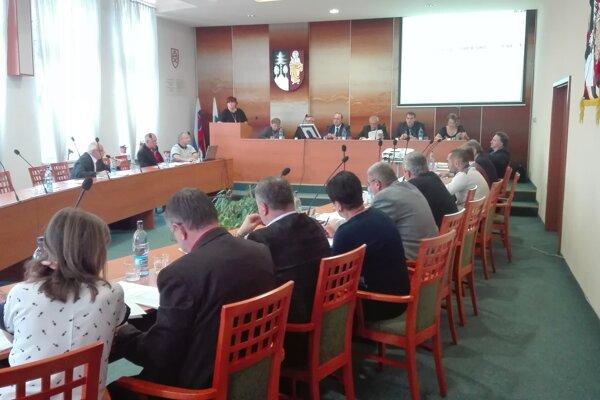 Poslanci sa zišli 29. septembra na prvom mestskom zastupiteľstve po prázdninách.