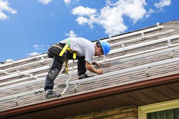 Súčasťou prestavby býva aj inštalácia solárnych zariadení.