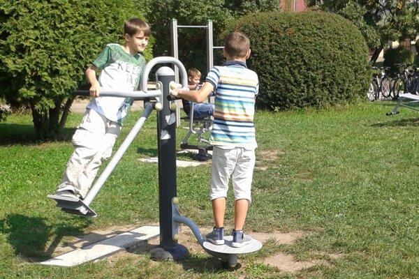 Do športovania sa zapojili všetci žiaci z nováckej školy.