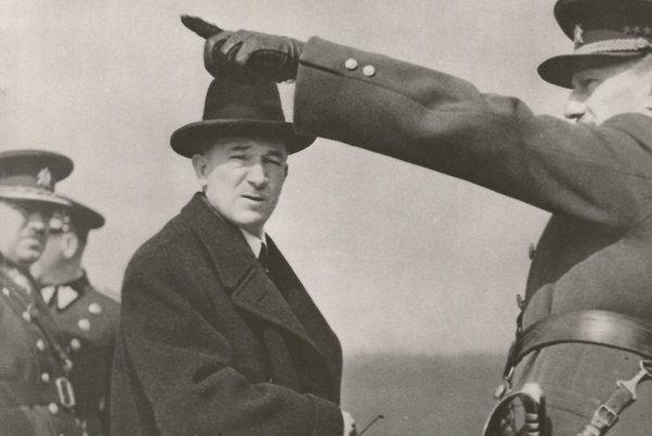 Prezident Edvard Beneš na vojenskom cvičení.