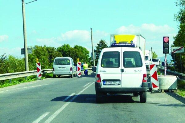 Vodiči by si mali pri Príbovciach dávať pozor.
