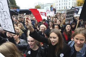 Poľky protestujú proti úplnému zákazu potratov.
