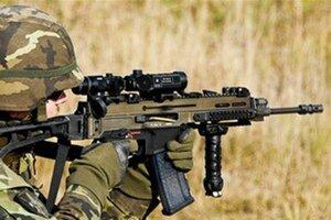 Otázky súvisiace s obranou sa 25 rokov podceňujú, tvrdí analytik.
