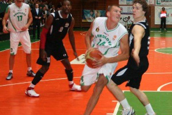 Handlovská športová hala bola svedkom pravej basketbalovej drámy.