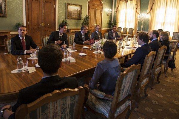 Prezident SR Andrej Kiska prijal v Prezidentskom paláci zástupcov iniciatívy Výzva k ľudskosti 17. septembra 2015.