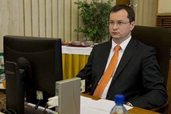 Minister Draxler.