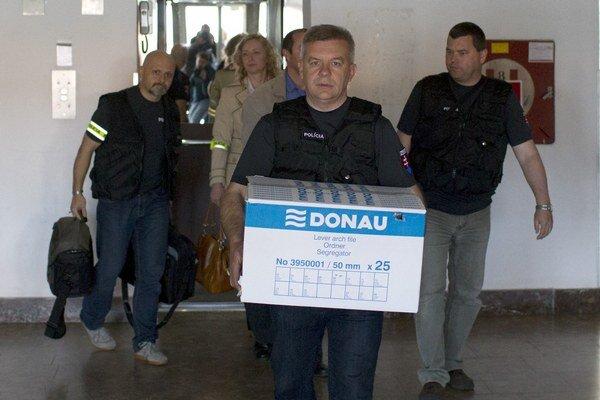 Razia prebehla aj v bratislavskej budove Váhostavu.