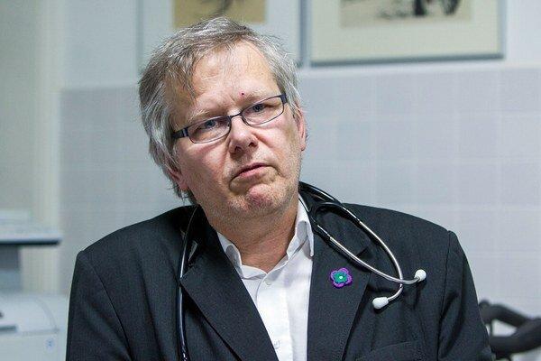 Doktor Peter Lipták bude prijímať dary naďalej.