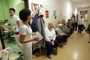 Predĺži sa čakanie na lekára alebo niektoré zdravotné výkony z hodín na celé dni a niekedy aj týždne?