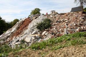 Skládka stavebného odpadu.