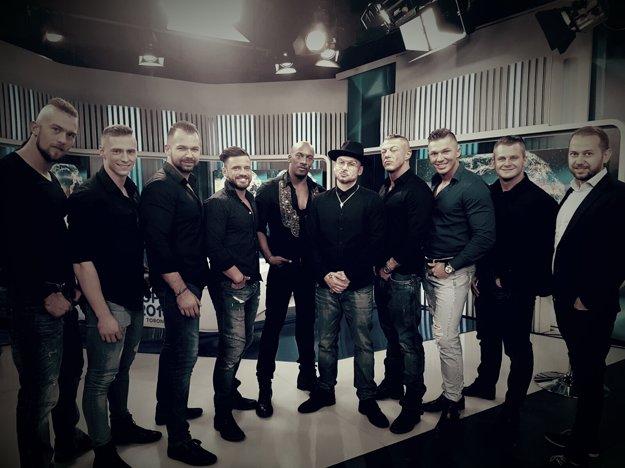 Skupina Dirtyy Boyzz aj so svojim choreografom Johnym Mečochom