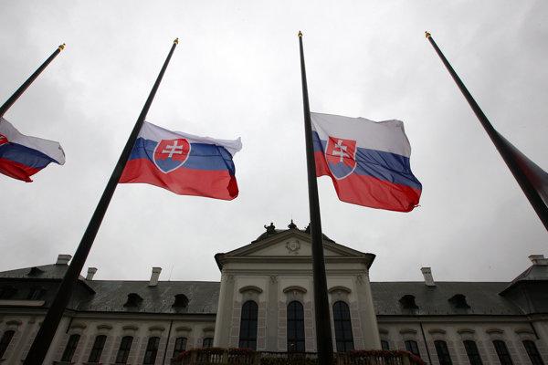 Pohreb Michala Kováča prinesie mnohé dopravené obmedzenia.