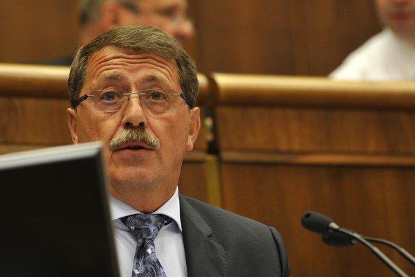 Paška chce čakať na rozhodnutie Ústavného súdu.