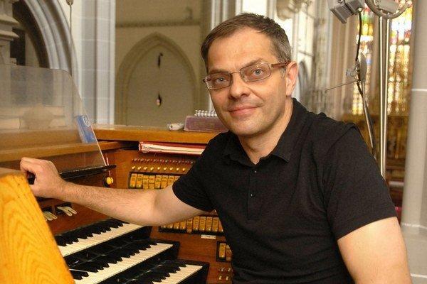 Viliam Gurbaľ (1967) je od marca 1989 zamestnaný ako organista, od roku 1994 ako regenschori košického Dómu svätej Alžbety.  Zbor svätej Cecílie sa zúčastňuje na festivaloch a súťažiach. Získal druhé miesto na medzinárodnej súťaži zborov  vo Vatikáne v ro