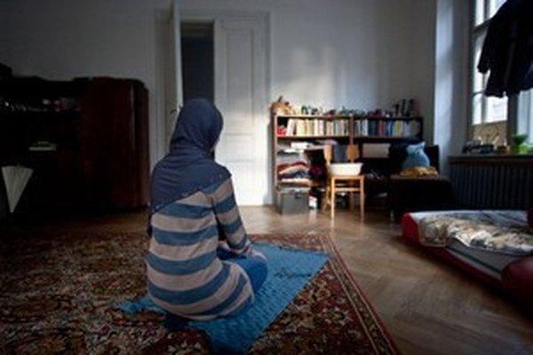 V bratislavskej moslimskej modlitebni.